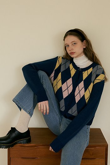 LAMBSWOOL ARGYLE CARDIGAN - BLUE