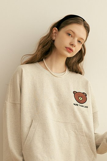 POCKET BEAR LOGO SWEAT SHIRT - OATMEAL